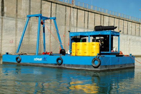 dam cleaning dredging